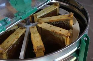 تجهیزات لازم برای عسل گیری